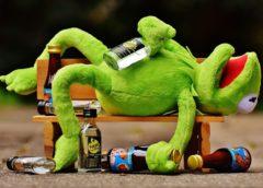 Pijany przyszedł na egzamin, a prawo jazdy utracił za alkohol